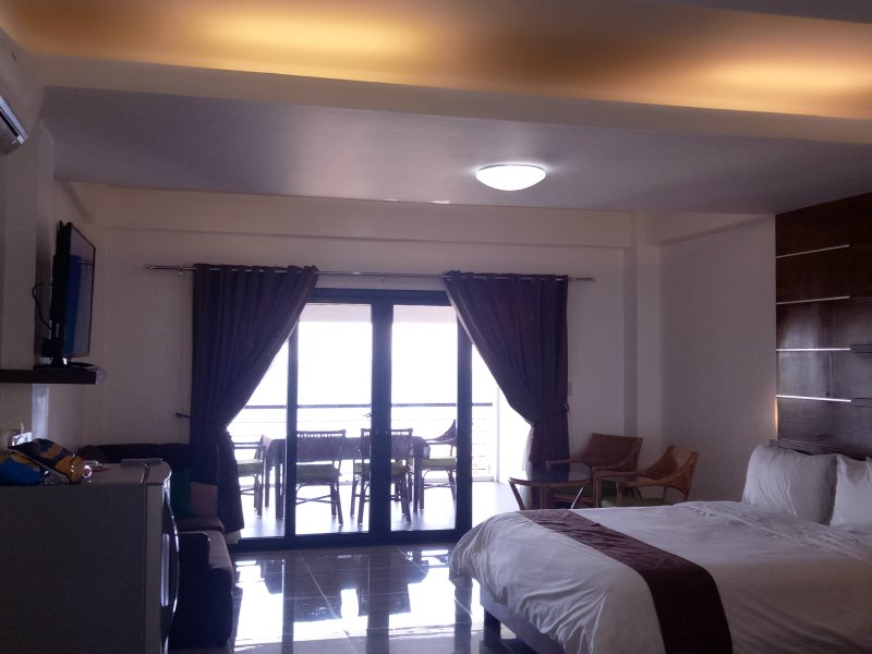 Manarra Sea View Resort Penthouse Room - 2, vacation rental in Puerto Galera