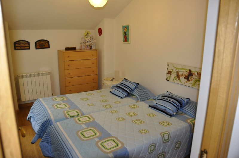 Third bedroom with two single beds