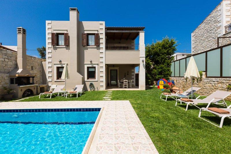 Sokaki Villa II, authentic style!, holiday rental in Prasies