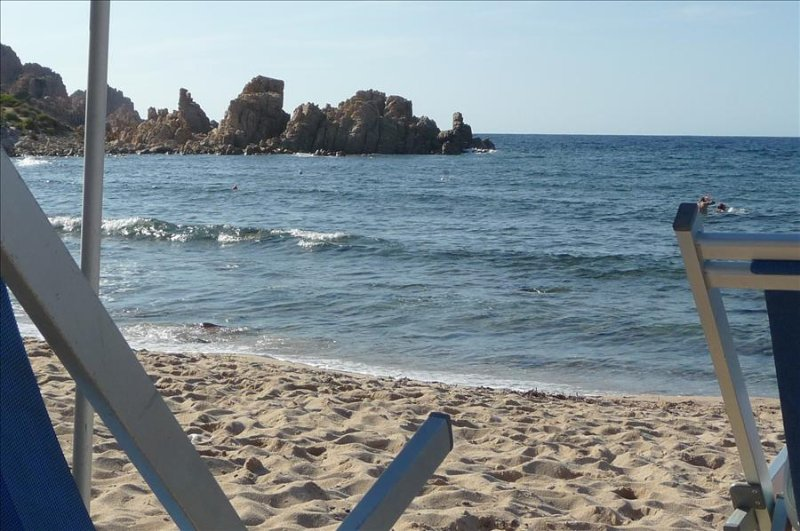 Fantastic Sea Views, Sun Terrace, Only 7 mins Walk To Beach, holiday rental in Isola Rossa