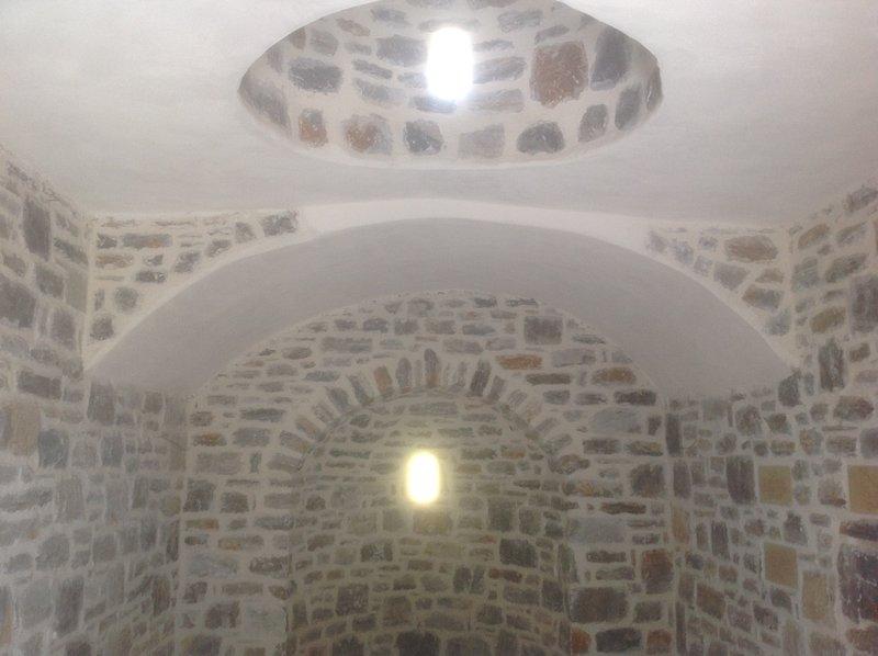 Simple, l'architecture locale dans la chapelle