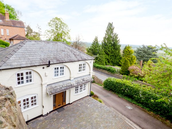 THE COACH HOUSE character property, range cooker, garden with views, Malvern, aluguéis de temporada em Hanley Castle