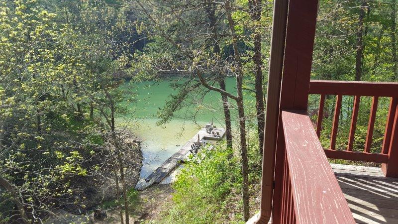 Nest over Fontana Lake Front Cabin, holiday rental in Nantahala Township