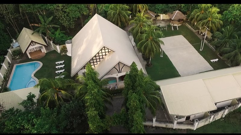 Panglao Villa Bohol with swimming pool perfect for family reunion, vacation rental in Panglao Island