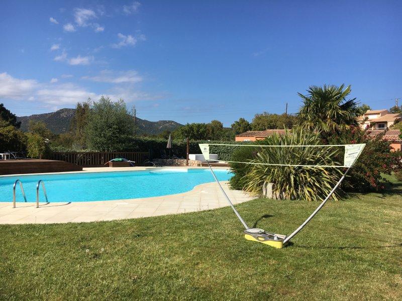 appartement T4 6/8personnes avec piscine chauffée Sainte lucie de portovecchio, alquiler de vacaciones en Sainte Lucie de Porto-Vecchio