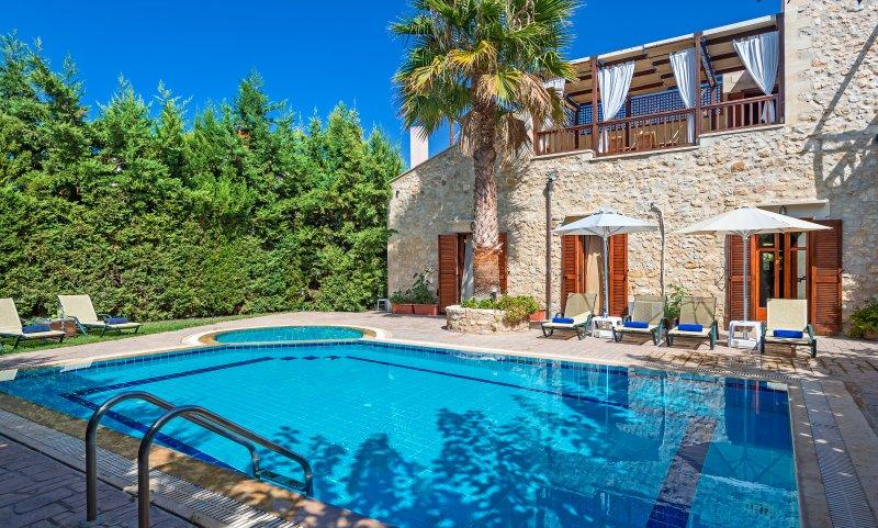 Villa Asteri - Traditional Elegant Villa, location de vacances à Asteri