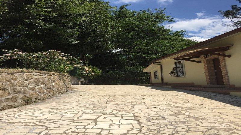 VILLA DEI PROFUMI - LILLà ROOM, holiday rental in Monterotondo Scalo