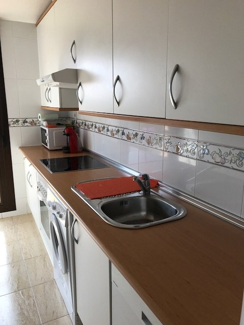 Fully equipped kitchen, toaster, coffee maker microwave, dishwasher