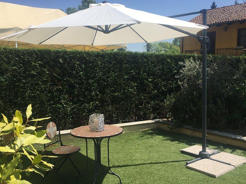 Delizioso appartamento con giardino, alquiler vacacional en Sciolze