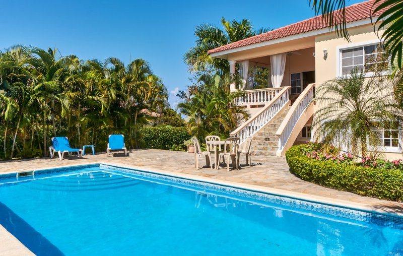 4-BD guest-friendly villa in central Sosua with private pool, near beach/clubs!, vacation rental in Sosua