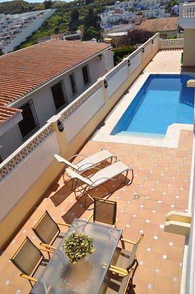 Villa de lujo para tus vacaciones de verano, holiday rental in La Herradura