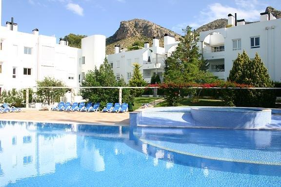 Beautiful 3 Bedroom apartment, Bellresguard, Puerto Pollensa, aluguéis de temporada em Formentor