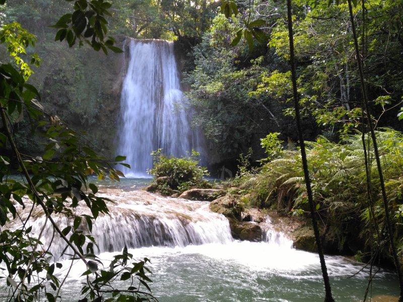 Salto El Limón, un hermoso paisaje en el campo Dominicana