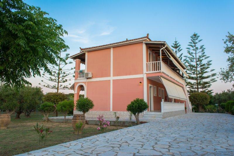 Premium studio, vacation rental in Vasilikos