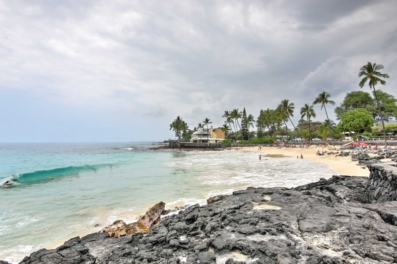 You'll love the location to Kona's white sandy beaches!