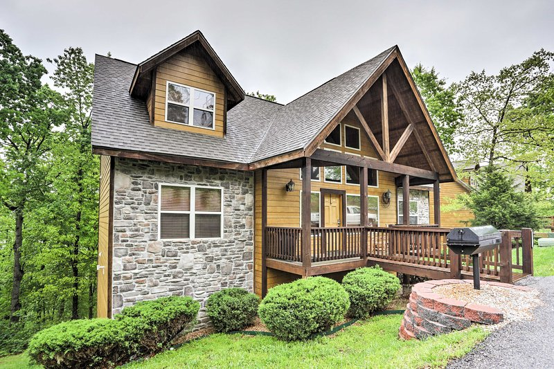 Experience the best of Branson from 'American Heritage,' a 6-bedroom vacation rental cabin situated in the heart of Branson.
