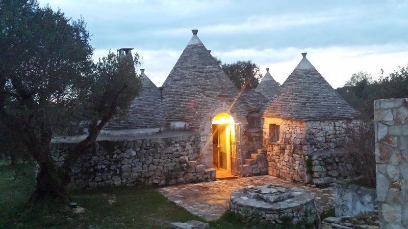 Trulli spring, a 'historic house in the countryside of Cisternino.