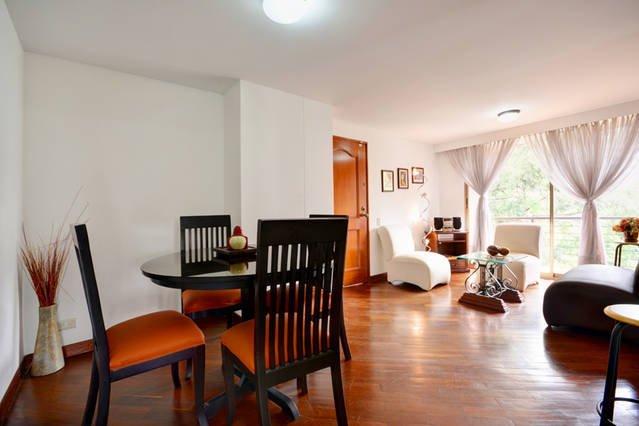 0608 - 2 bedroomed Condo in the best Location!, location de vacances à Medellin