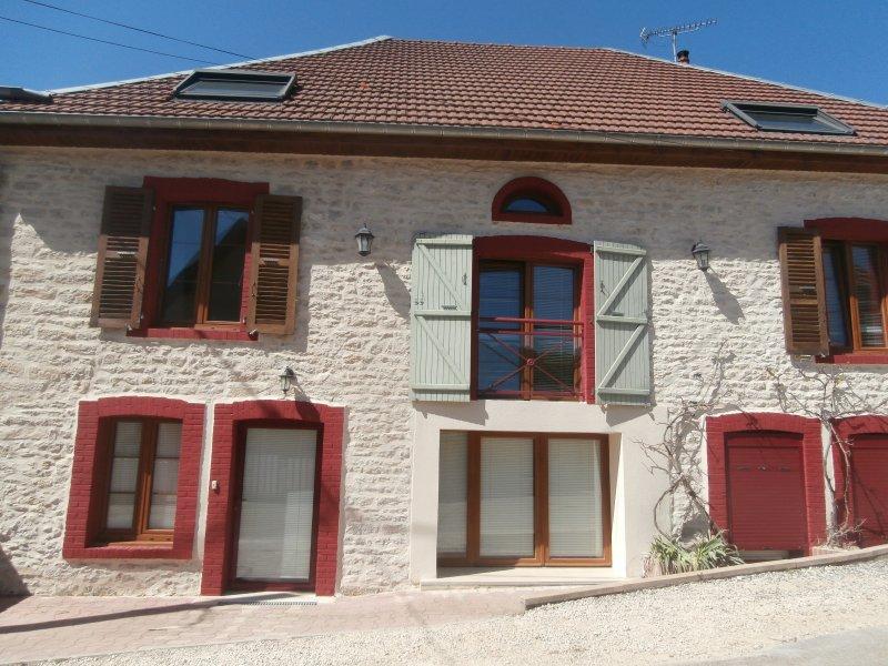 gite 5 personnes dans maisons pleine de charme, holiday rental in Trepot