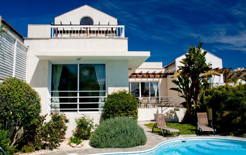 Anastasia Villa - New listing of lovely villa close to beach with sea views, holiday rental in Avdimou