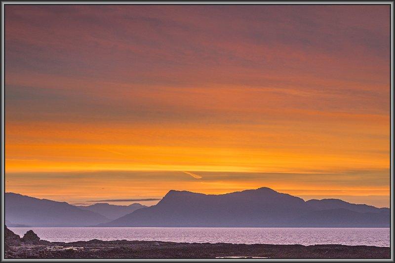 Sonnenaufgang über den Sound of Sleat.