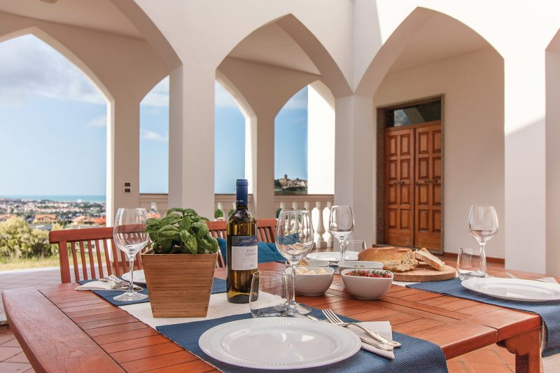 Dine 'al fresco' while you enjoy spectacular panoramic views