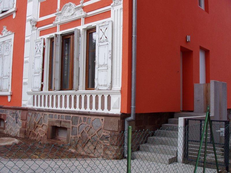 Entrée privative (ancienne teinte de façade)