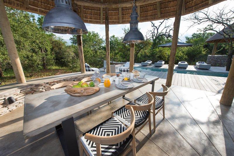 Villa Kudu Dining Area