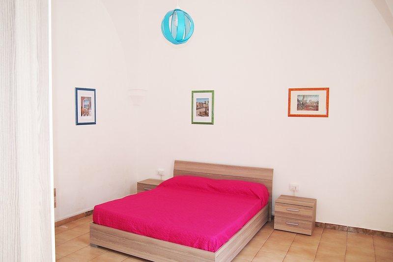 2º quarto com cama de casal