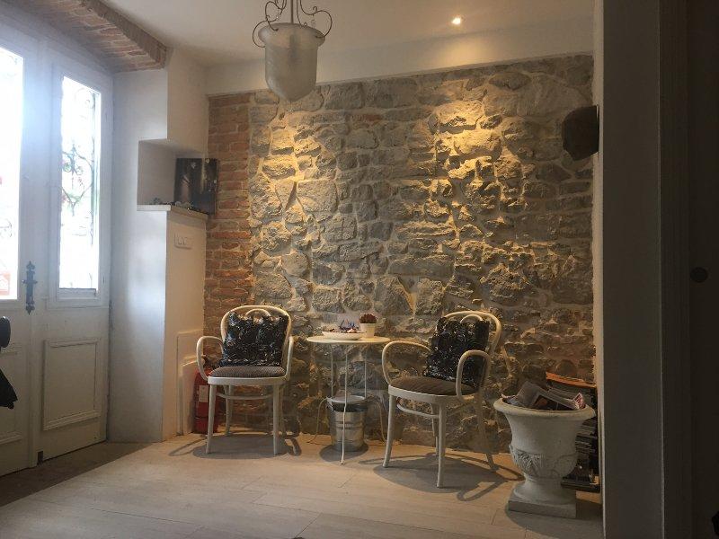 Romantic studio apartment, holiday rental in Lovran