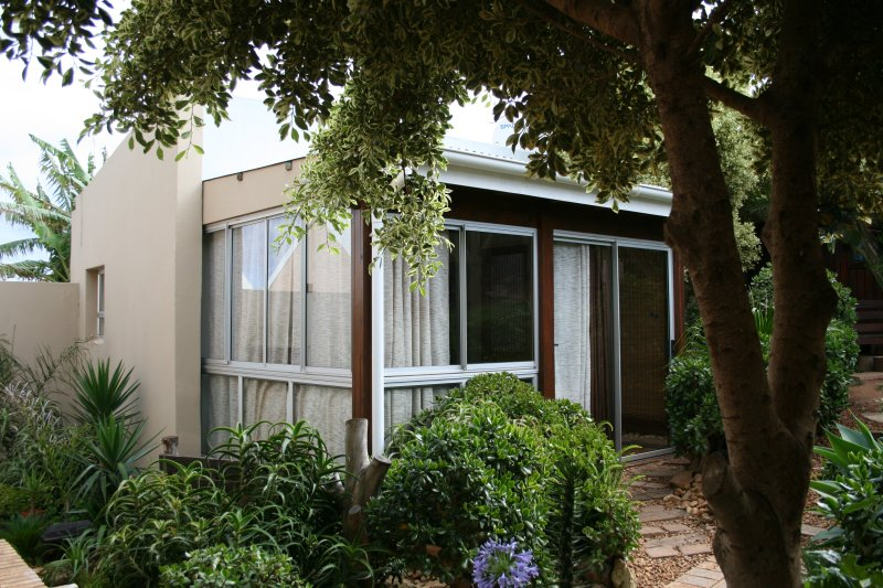Lazybay self catering cottage, holiday rental in Eastern Cape