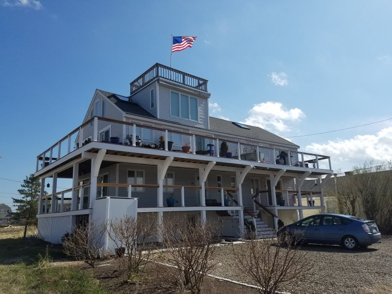 Luxurious 3 Story Beachfront Home! Newly Furnished & Captivating Views!, vacation rental in Newburyport