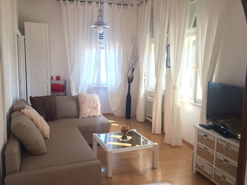 Captain's house, holiday rental in Lovran