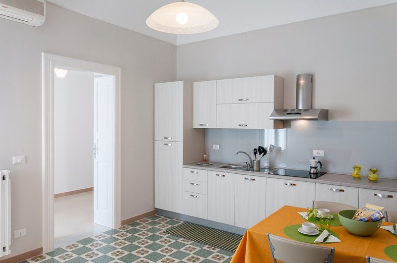 Charming Apartment for 4 people in Monopoli's centre, holiday rental in Monopoli