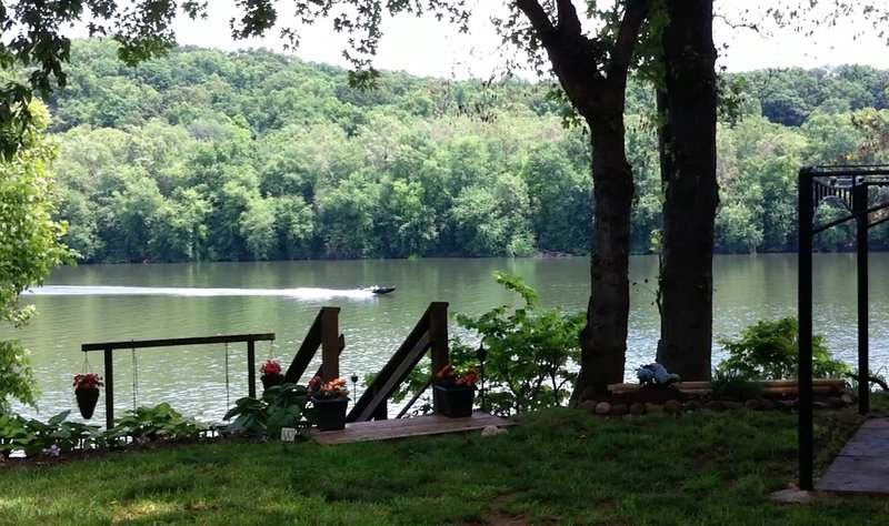 RIVERKEEPER INN, Waterfront Cottage on the Potomac, casa vacanza a Harpers Ferry