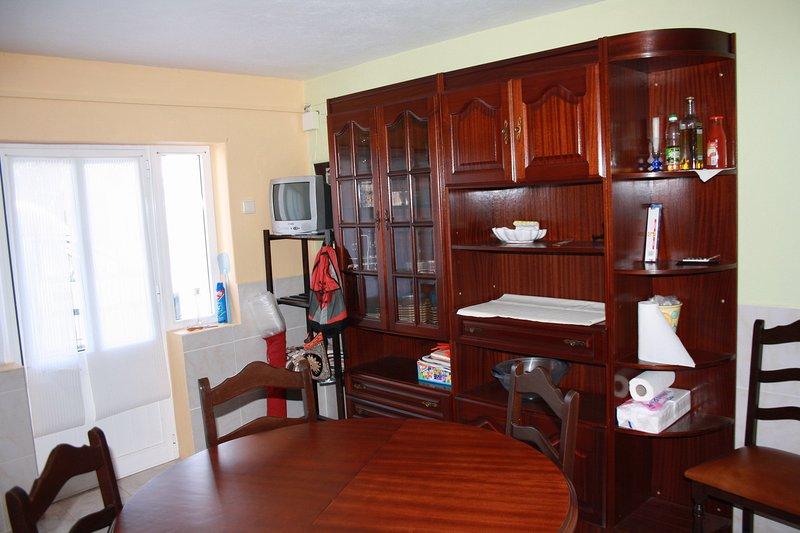 Apartamento com 2 Quartos  WC  Cozinha e Sala, holiday rental in Alfeizerao