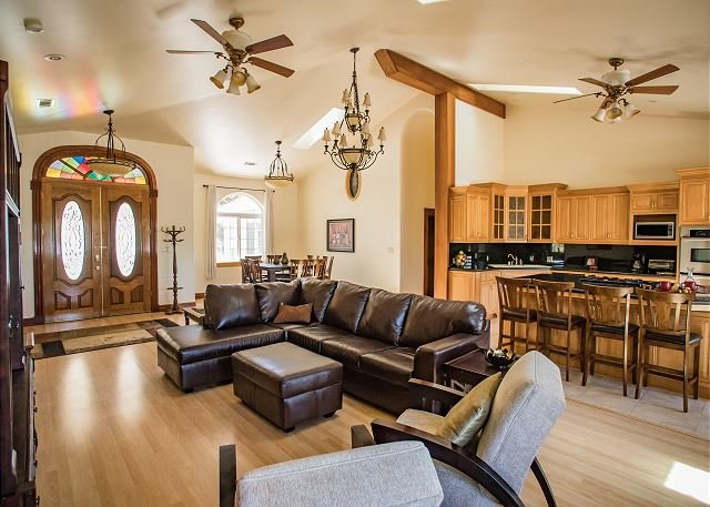 Uvae--Endless Views and Endless Privacy in Paso Robles Wine Country, holiday rental in Creston