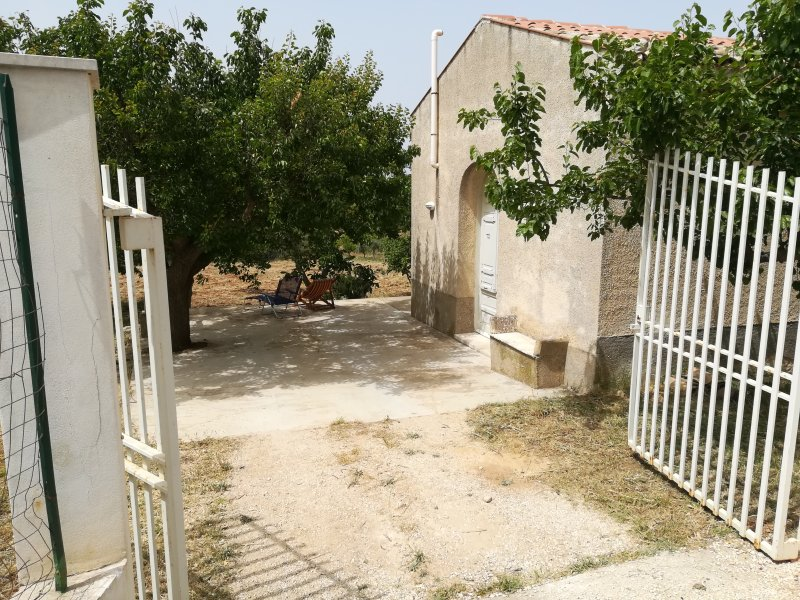 independent gate