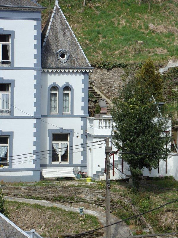 Parte della casa e la terrazza