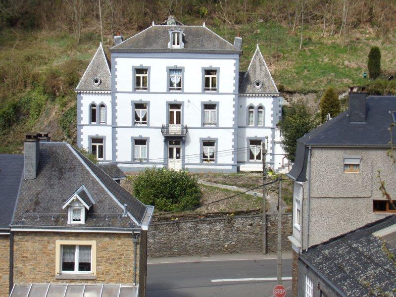Appartement tout confort à Bouillon, location de vacances à Bouillon