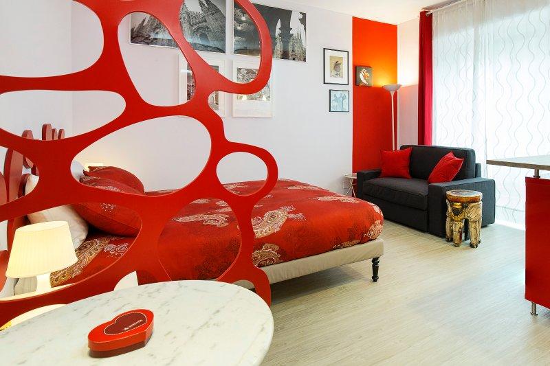 Giardino Rosso: new charming studio in Milan, holiday rental in Locate di Triulzi