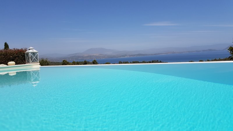 Big Blue Villa Porto Heli with Amazing View, holiday rental in Kosta