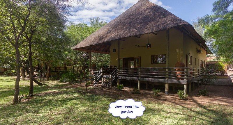 Huis Bougainvilleae, casa vacanza a Provincia di Limpopo