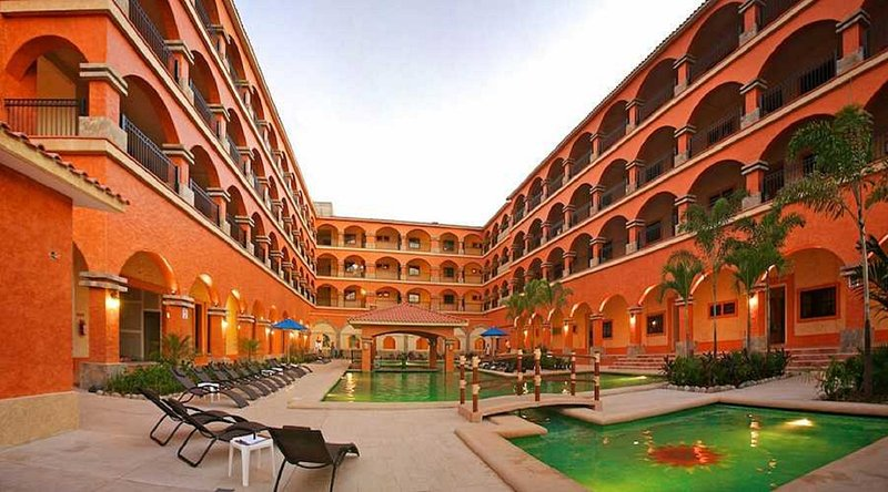 73626 - Centrally located 2 bedroom + loft with pool, holiday rental in Santa Maria Huatulco