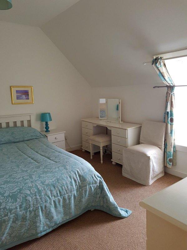 1 dormitorio capacidad para 3 personas