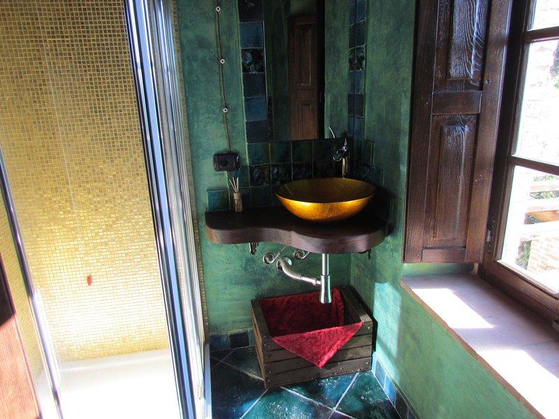 Bathroom amethyst