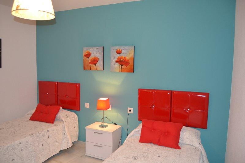 Duplex de dos habitaciones con piscina, holiday rental in Conil de la Frontera