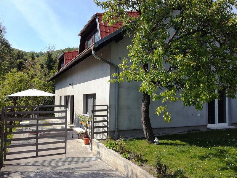 piccolo studio a 59, holiday rental in Veliko Trgovisce