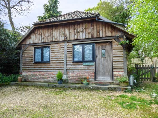 ENDYMION, pet friendly, country holiday cottage, with open fire in Linwood, Ref, holiday rental in Woodgreen