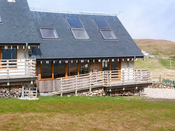 SKIPAFLOTTA, two bedroom, remote, wood-burning stove, local beaches, loch, near, alquiler de vacaciones en Durness